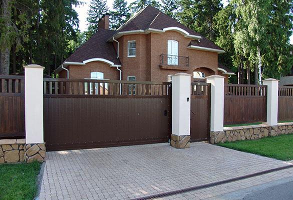 Въездные откатные ворота с электроприводом в частный дом