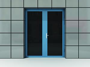 Монтаж двупольных алюминиевых дверей