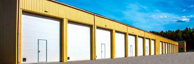 Ворота промышленные подъемные секционные